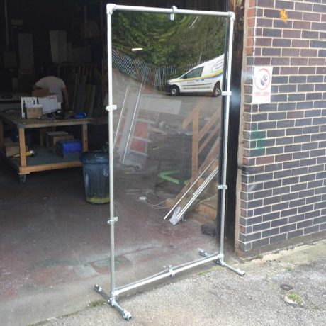 Free standing sneeze screen metal frame 2
